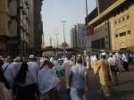 Hundreds of Thousands Descend Upon The Masjid Al-Haram for Dhuhr Prayers
